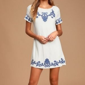 Lulu's Tale to Tell White/Blue Embroidered Dress